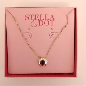 Stella & Dot Heirloom Necklace